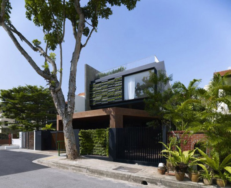 Vertical plan natural green house design in singapore