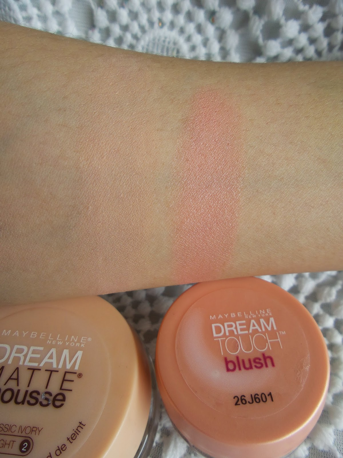 Base mousse Maybelline e Blush Dream Touch