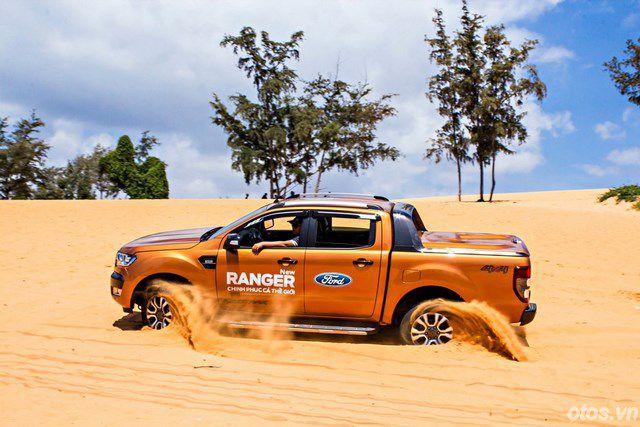 """Cầm lái """"vua bán tải"""" Ford Ranger WildTrak 2015"""