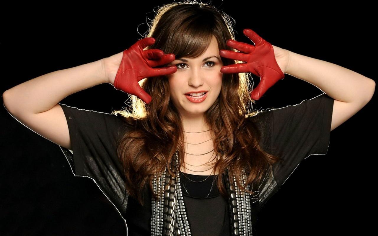 http://2.bp.blogspot.com/-RvAlZext9Bk/T-muL-jKB4I/AAAAAAAAChk/dOb2LZqfZKA/s1600/Demi-Lovato-Wallpaper-demi-lovato-16777351-1280-800.jpg