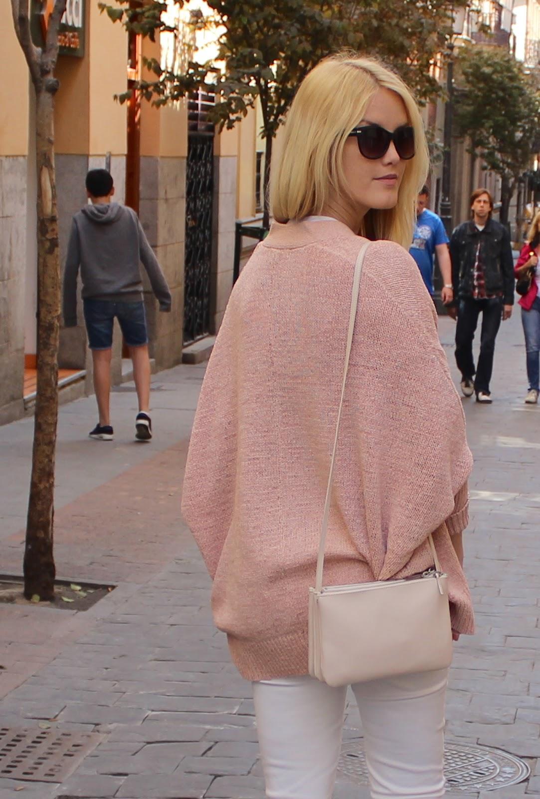 TheBlondeLion Madrid Look Barrio de las letras trio bag mango rose