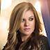 Kelly Clarkson confirma 'Invincible' como seu próximo single!