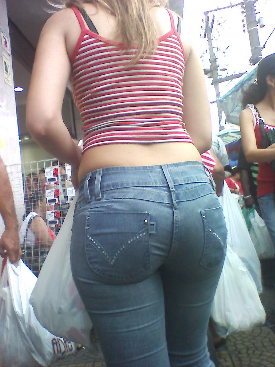 Hot Women In Short Jean Shorts