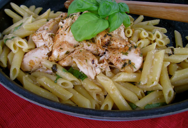Stephanie Cooks: Chicken with Lemon Basil Pasta