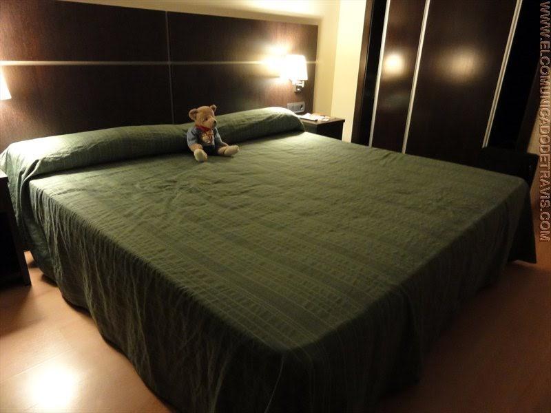 Pruebo una cama king size el comunicado de travis - Camas muy grandes ...