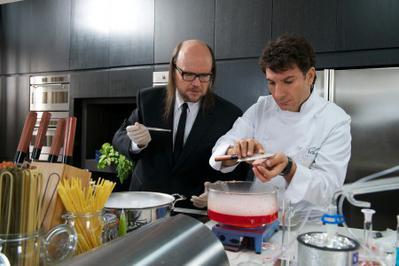 Il gastronomo scientifico comme un chef jean reno e la cucina molecolare - Cucina molecolare chef ...