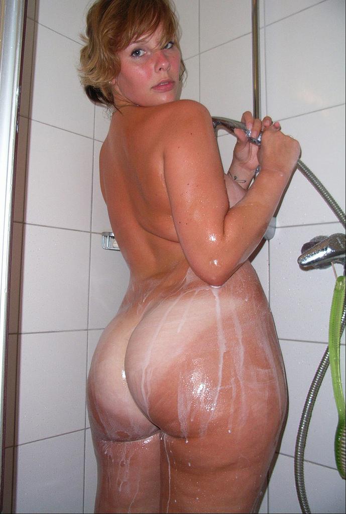 Частное фото больших голых поп