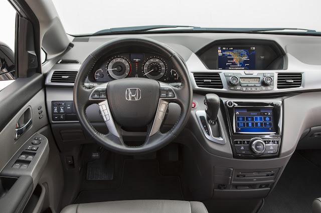Interior view of 2016 Honda Odyssey