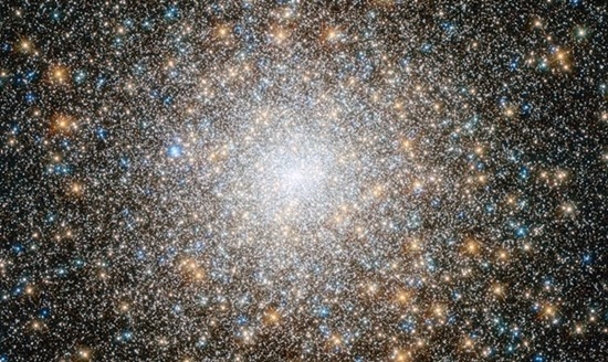 Teleskop Antariksa Hubble Meneliti Gugus Misterius M15