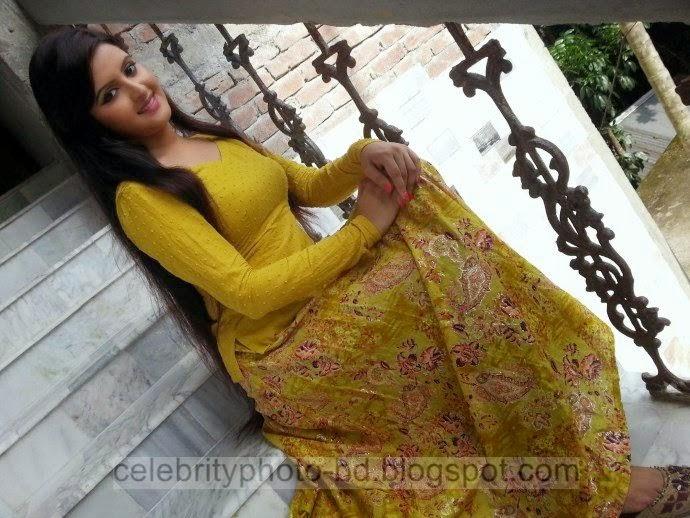 Top+New+Bangladeshi+Model+and+Actress+Pori+Moni's+Latest+Photos+and+Wallpapers008