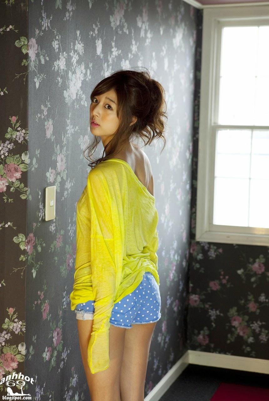 moyoko-sasaki-01425855