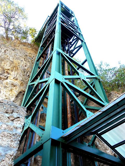 Ο ανελκυστήρας για το Κανναβουργείο