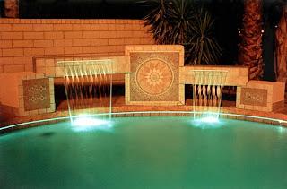 Cascatas para piscinas diferentes