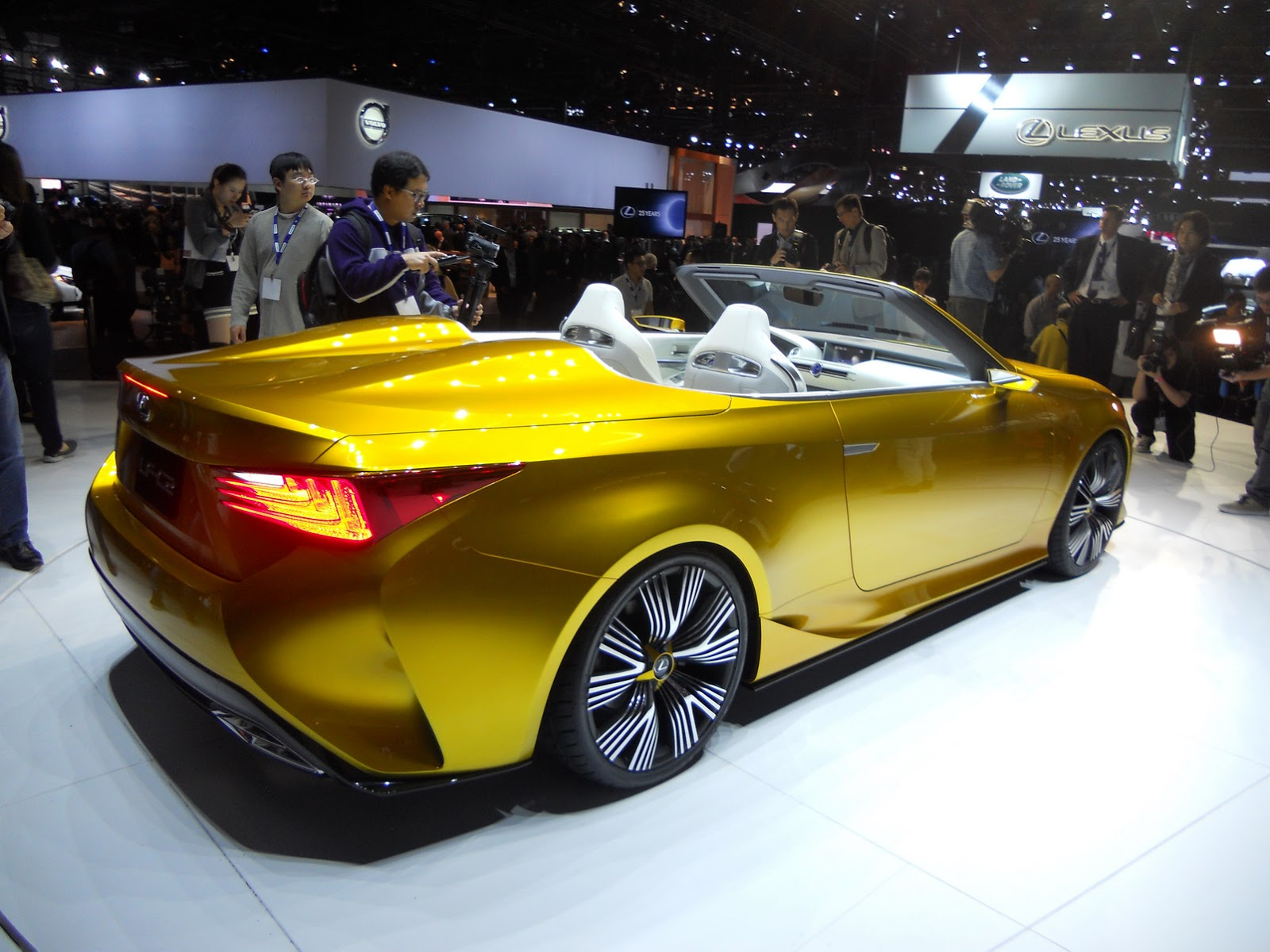 http://2.bp.blogspot.com/-RwwcO6il_h8/VG33TC5JUaI/AAAAAAAAbSI/i5qo8kTjXMk/s1600/Lexus-LF-C2-4Concept-.jpg