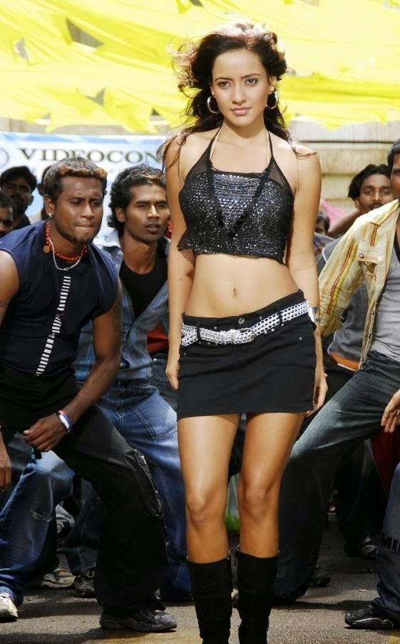 Neha Sharma :Top 15 Hottest Navel Show (HD) Pics Of Beautiful Actress Neha Sharma