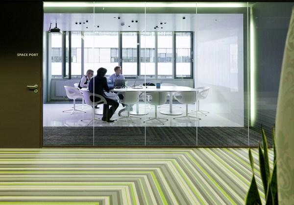 Ilia estudio interiorismo oficinas microsoft en viena for Oficinas de microsoft