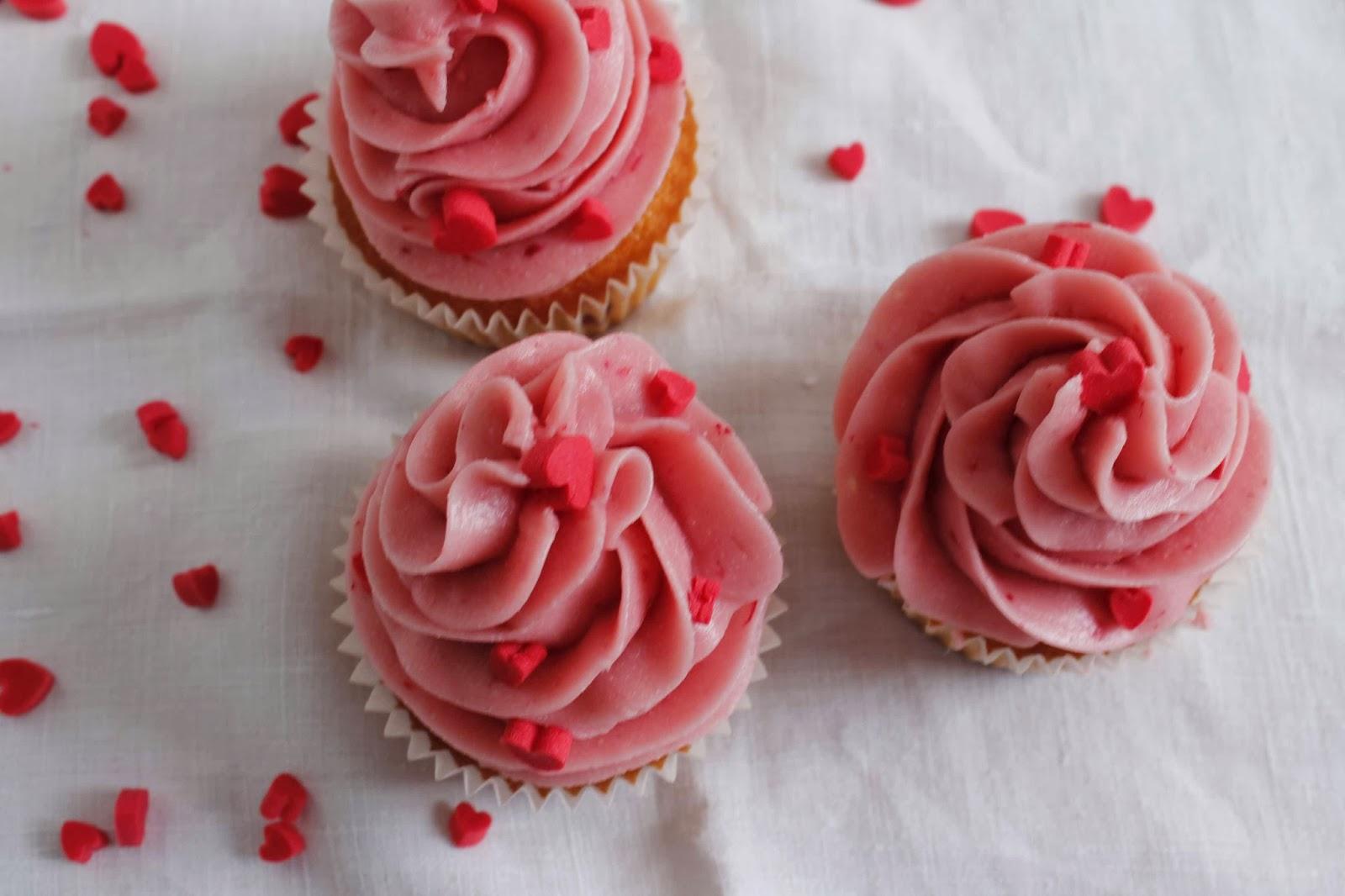 Receta Cupcakes de almendra y buttercream de merengue suizo de frambuesa