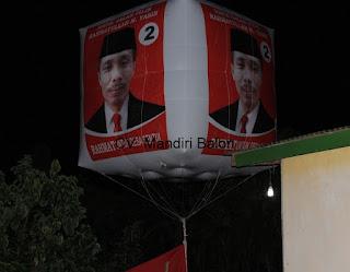 Balon Udara Promosi Pemilihan Kepala Desa Serang