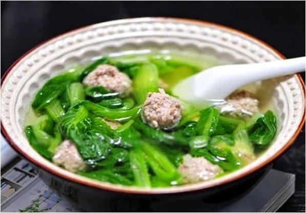 Giải nhiệt Canh cải xanh nấu thịt băm thanh mát