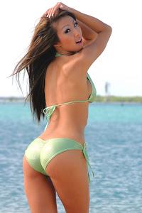 KT So en Bikini 13