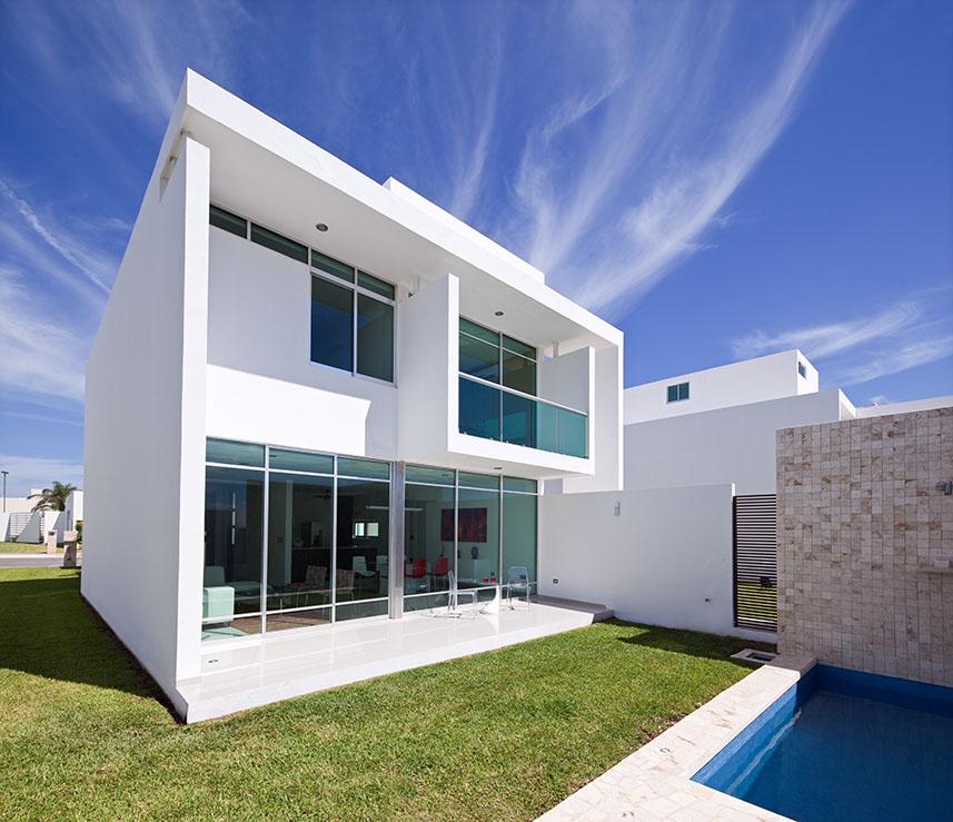 Fachadas minimalistas fachada minimalista lujosa en for Modelos de casas minimalistas de dos plantas