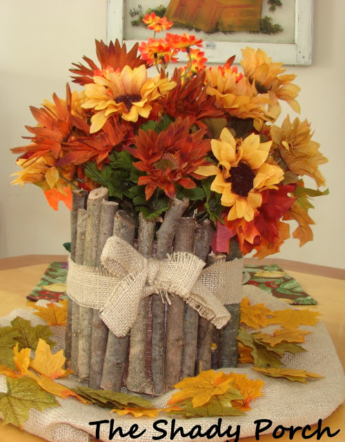http://www.theshadyporch.com/2011/09/rustic-fall-centerpiece.html#.VGpPMF7nbIU