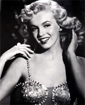 """""""Todo mundo é uma estrela e merece o direito ao brilho."""" (Marilyn Monroe)"""