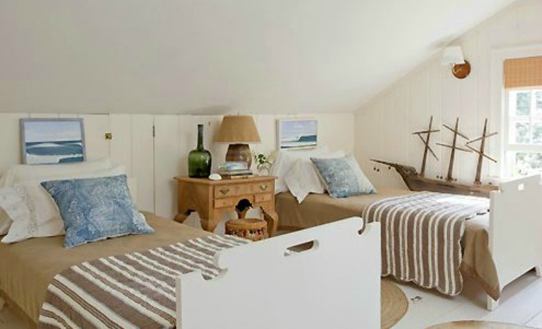Coastal twin guest bedroom
