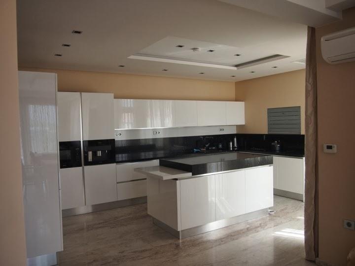 Кухня МДФ бяла 1
