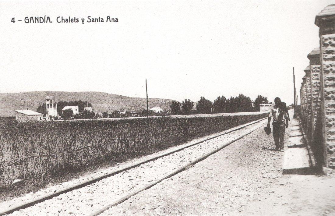 Carrer Ferrocarril d'Alcoi de Gandia als anys 40