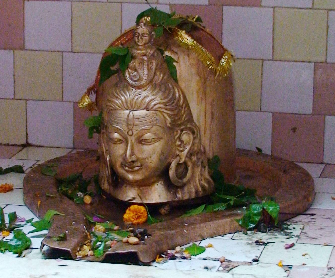 http://2.bp.blogspot.com/-RyZ9xoX1-4Q/TqfNa-iYq8I/AAAAAAAABFI/Rc3xW-0Q1nI/s1600/Lord-Shiva-Lingam.jpg