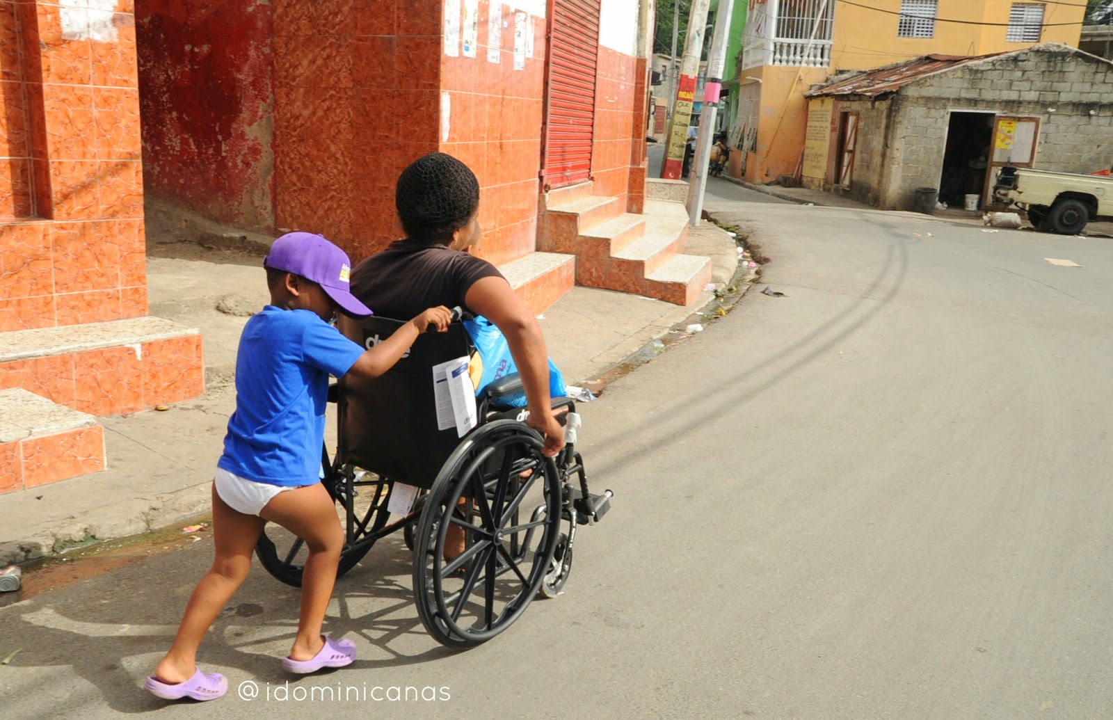 Imagenes dominicanas - Silla de ruedas ninos ...