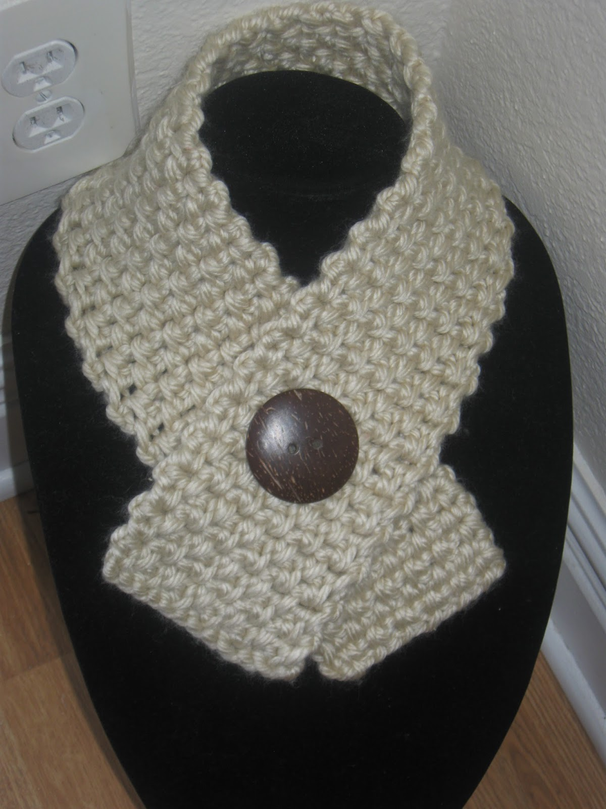 Crochet Patterns Neck Scarves : FOREVER AND A DAY: Free crocheted Neck warmer/scarf pattern