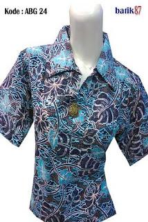 Model Baju Batik Modern Wanita