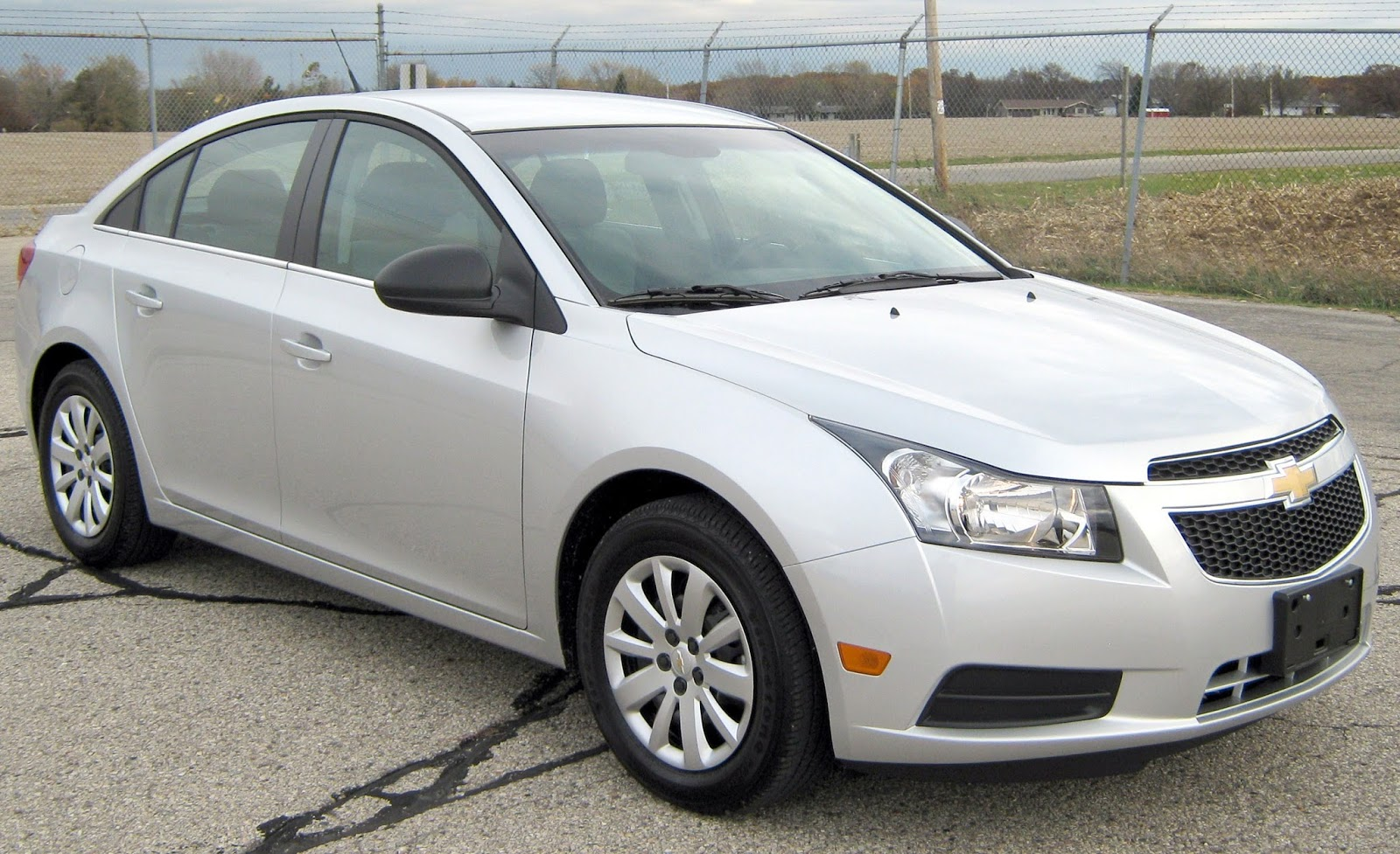 Chevrolet Cruze Ls Sedan Images Car Hd Wallpapers
