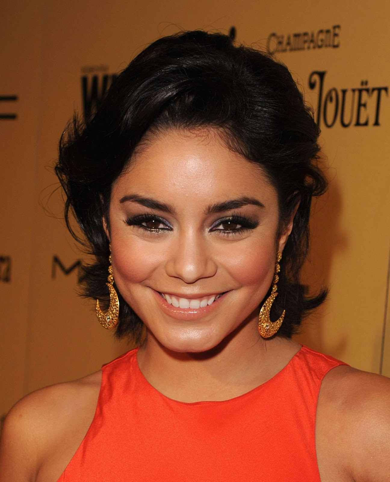http://2.bp.blogspot.com/-RywIiVLiQTA/UJbGFH7vajI/AAAAAAAABUA/WCQGef6G2qk/s1600/Vanessa+Hudgens+hot+at+Women+In+Film+Pre+Oscar+Cocktail+Party+2012-02.jpg