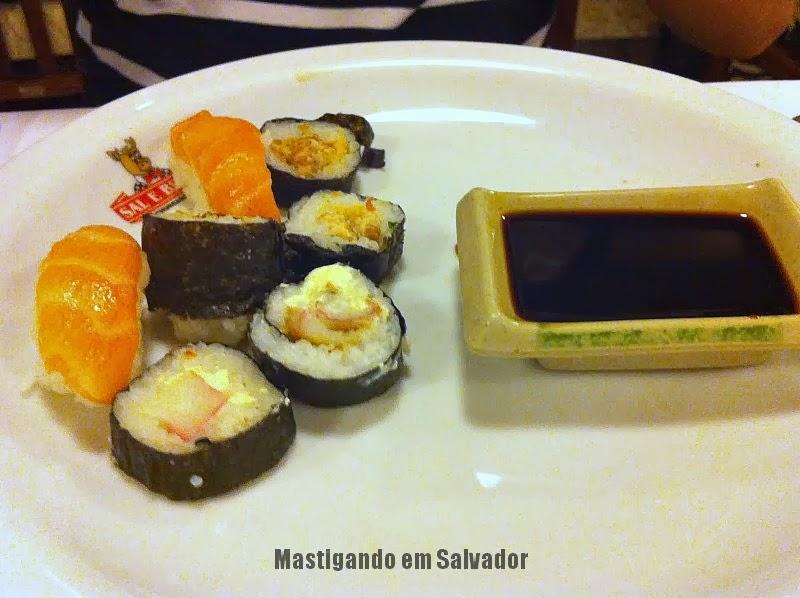 Churrascaria Sal e Brasa: Prato com opções do Sushi Bar