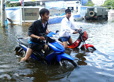 Rising waters in Bangkok 2011