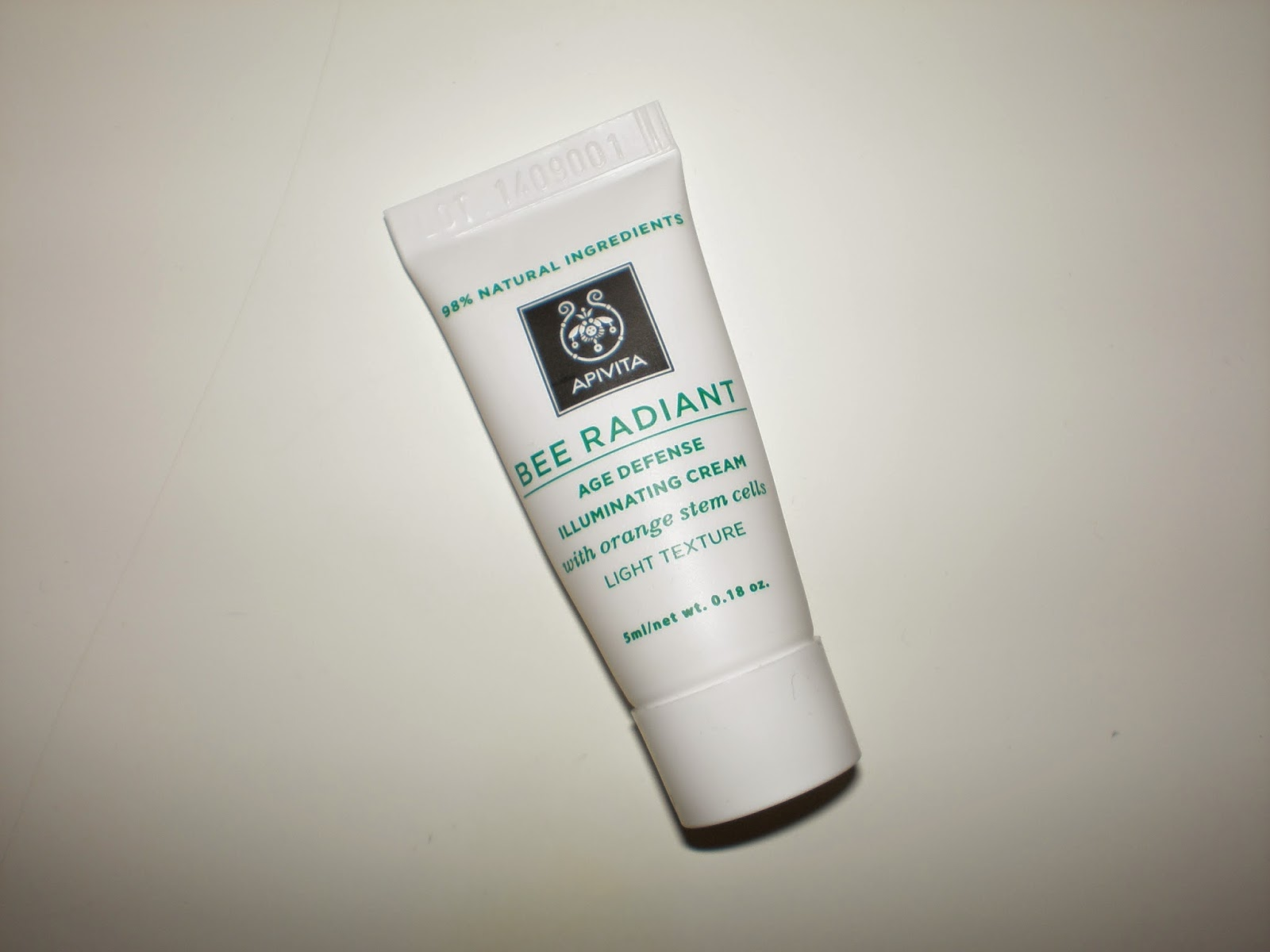 Apivita Bee Radiant Age Defence Illuminating cream