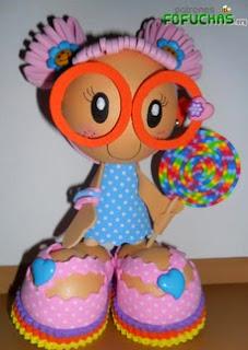 http://www.patronesfofuchas.org/2014/10/moldes-fofuchas-ninas-gafas-caramelos.html