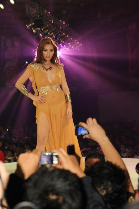 natalie hayashi sexy gown at the 2012 fhm philippines 100 sexiest victory party 03
