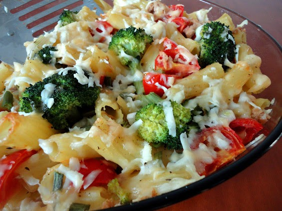 Rigatoni with tuna cherry tomatoes and broccoli, Mediterranean Diet, South Italy Diet, Cosenza recipe,