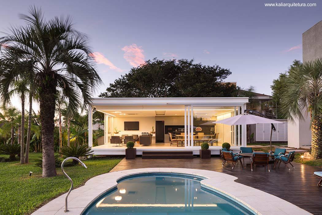 Arquitectura de casas casas modernas y contempor neas for Casas con piscina interior fotos