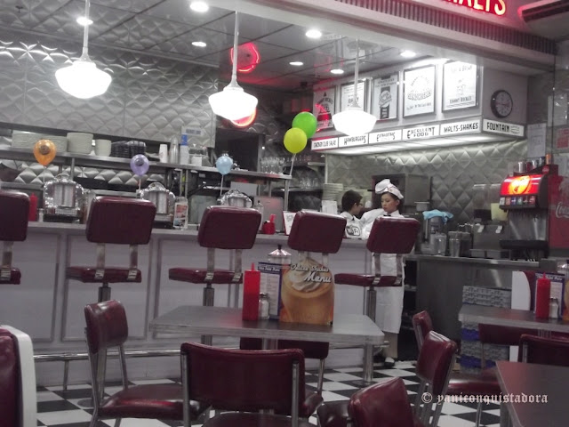 JOHNNY ROCKETS: A Rockin' Good Way
