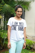 Pooja Ramachandran Glamorous photos-thumbnail-18