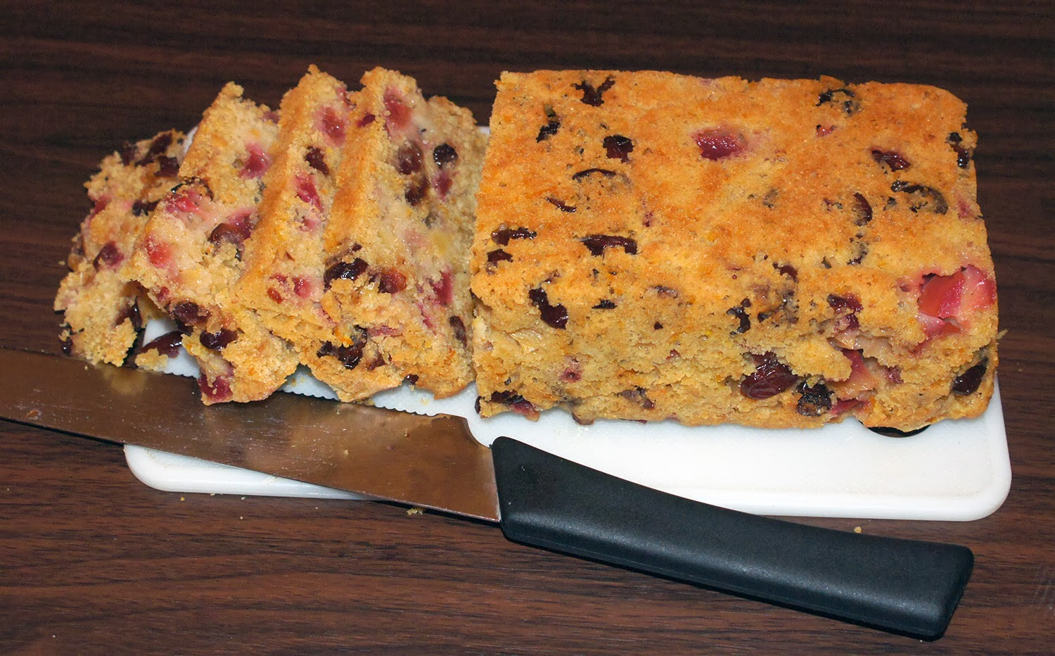 Christmas Fruited Quickbread: A fruited Christmas cake, based on a muffin recipe that can be prepared either as a cake or as a pudding. An excellent choice if you want a lighter Christmas cake or pudding