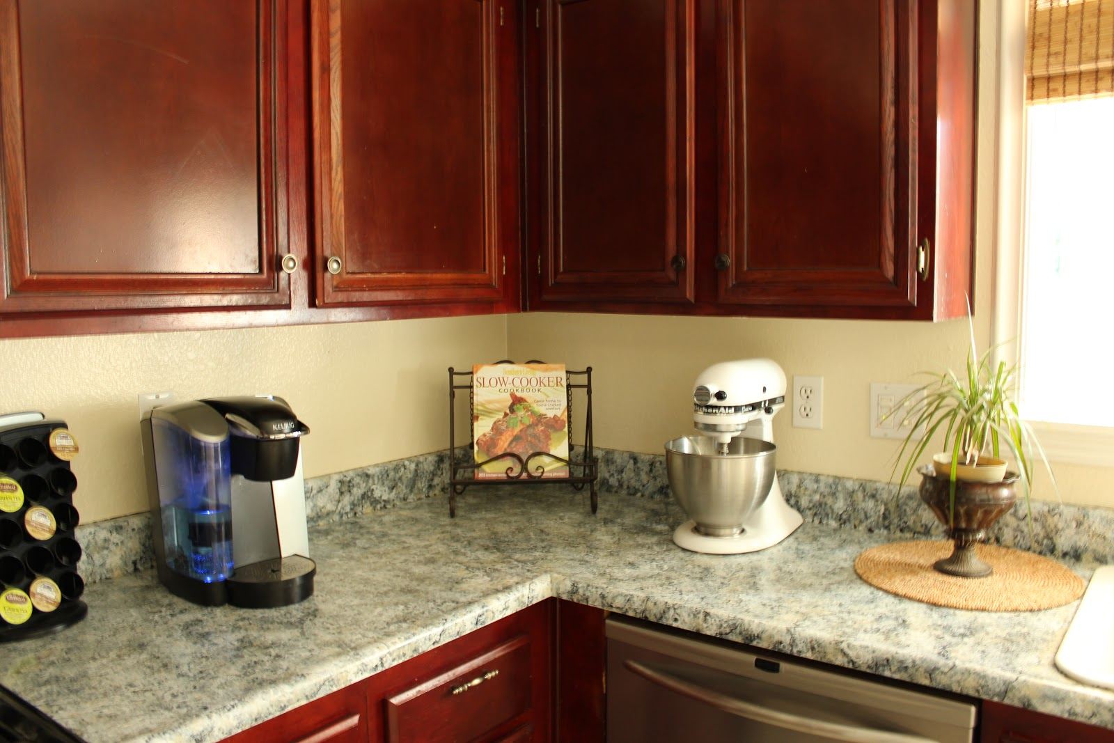 Four marrs and one venus kitchen update on a budget with for Kitchen updates on a budget