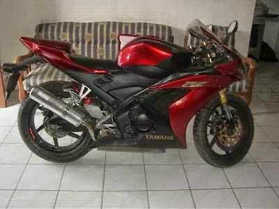 Modifikasi Motor Yamaha Vixion warna merah