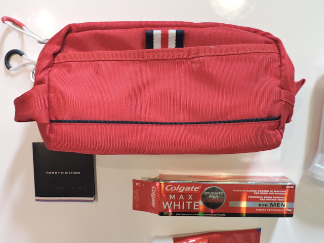 tommy hilfiger beauty case