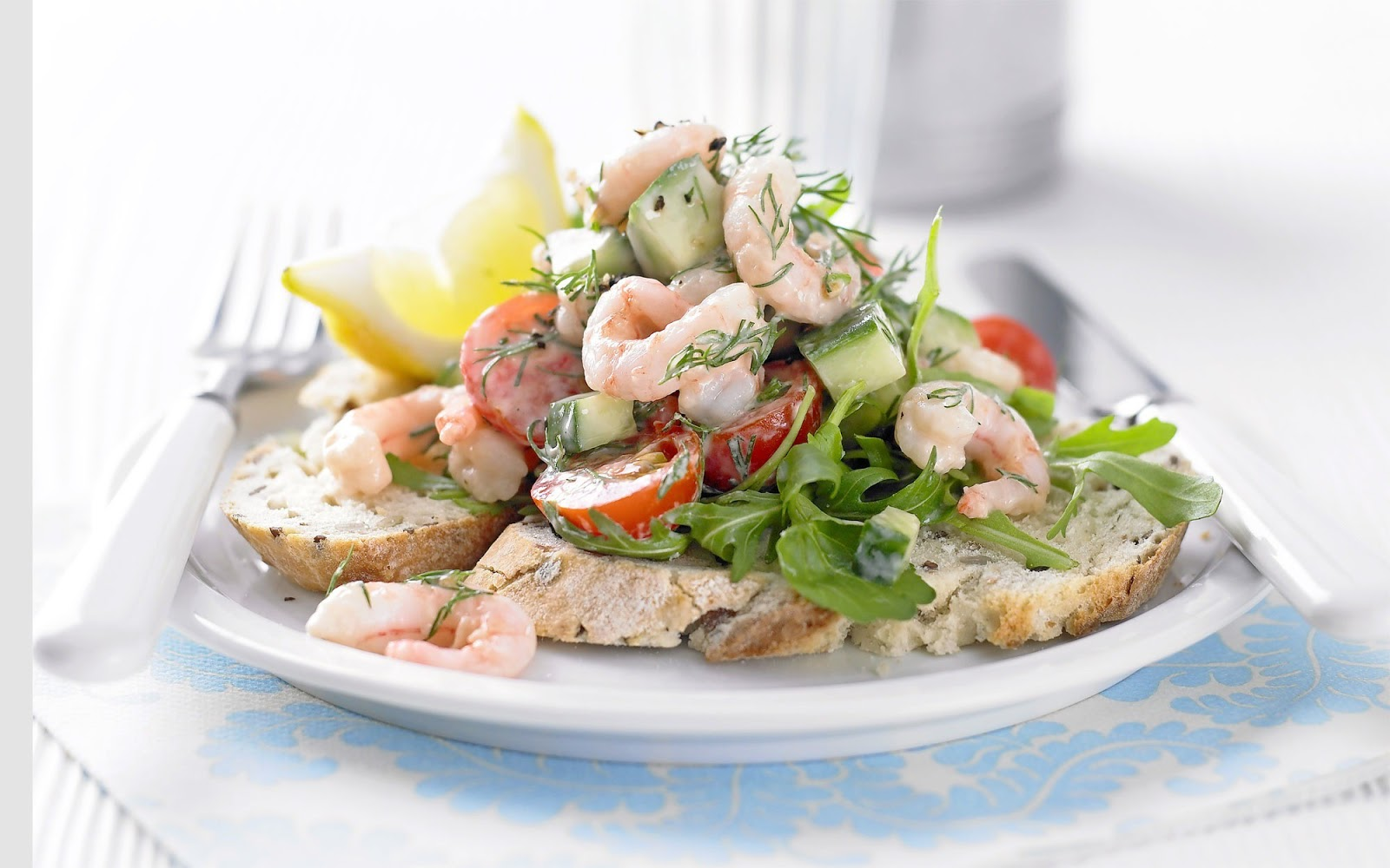 Салат с морским коктейлем рецепты с